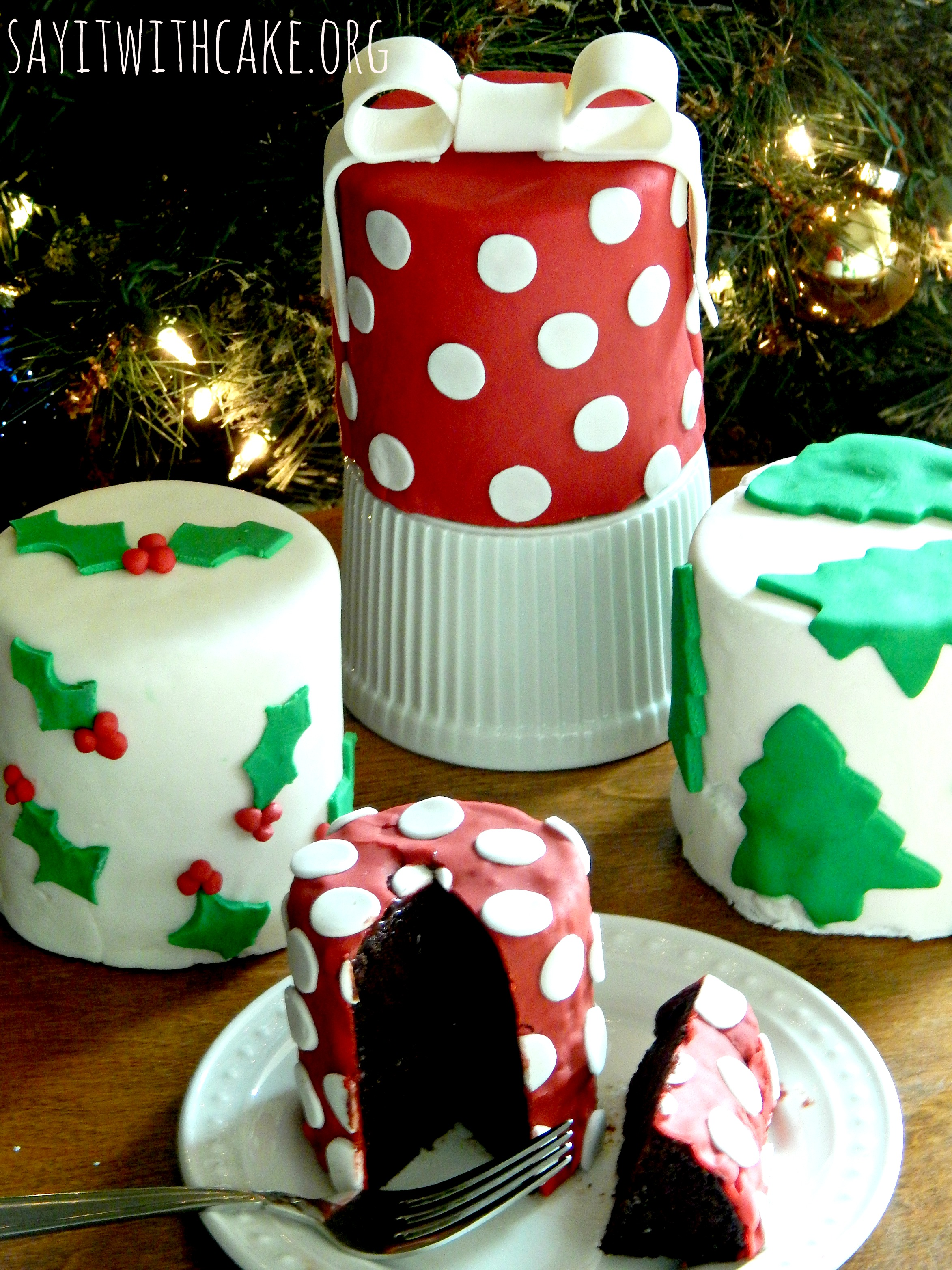 How to make christmas cake - Keep Reading And I Will Show You How To Make These Mini Cakes Step By Step Christmas Cakes