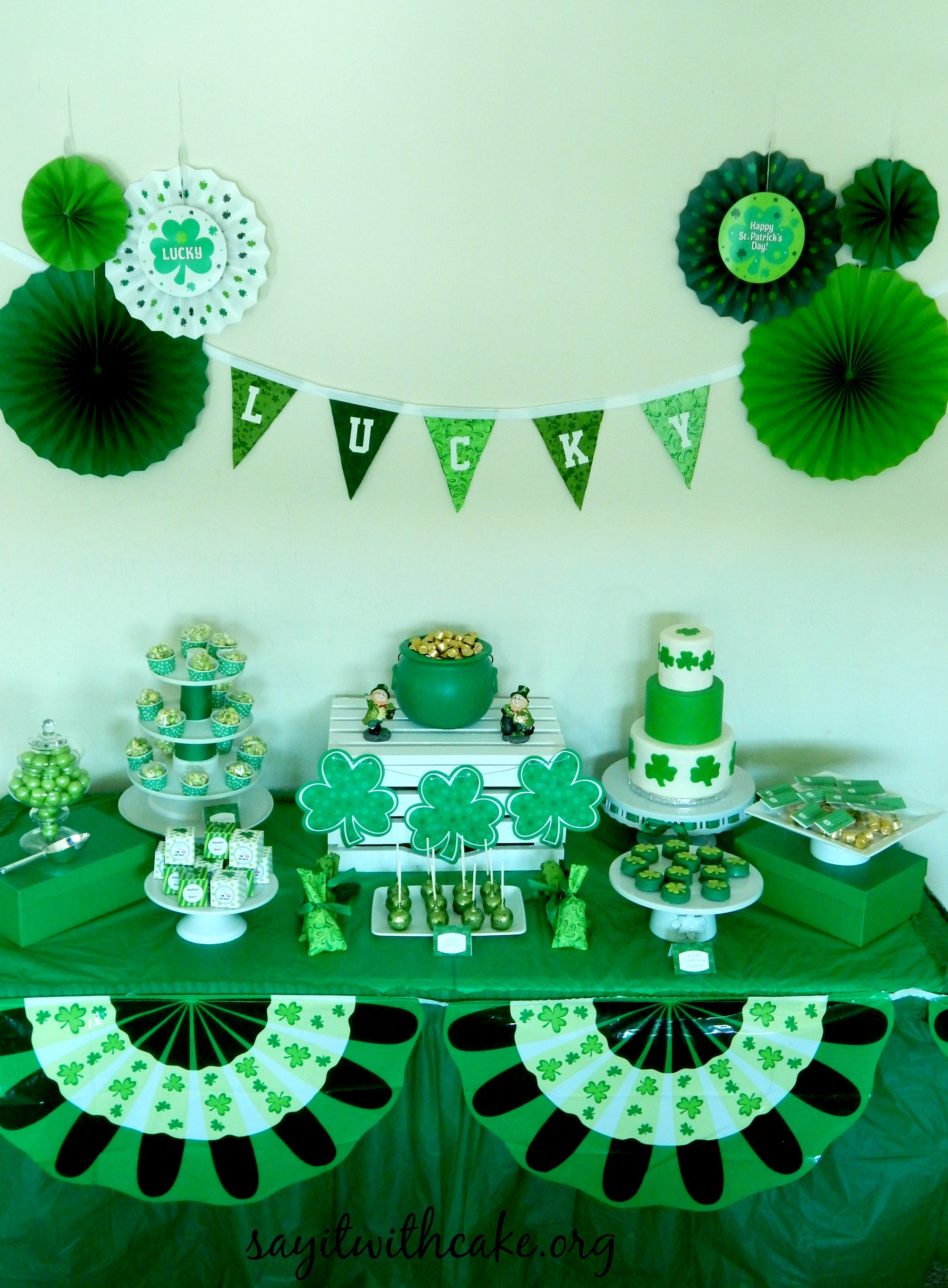 st patrick u0027s day party say it with cake