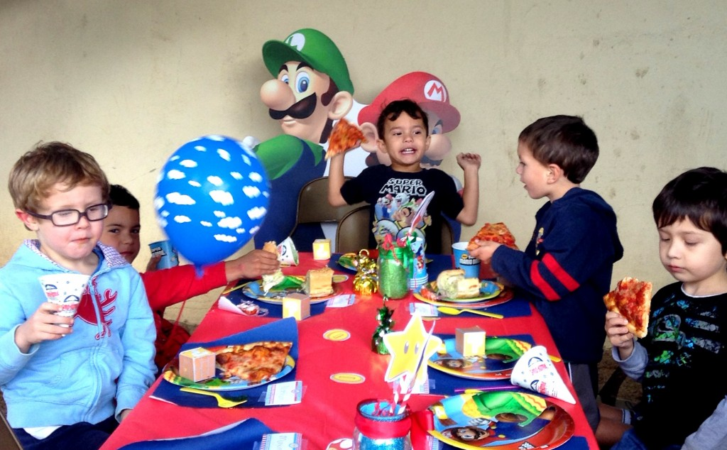 tablewith kids