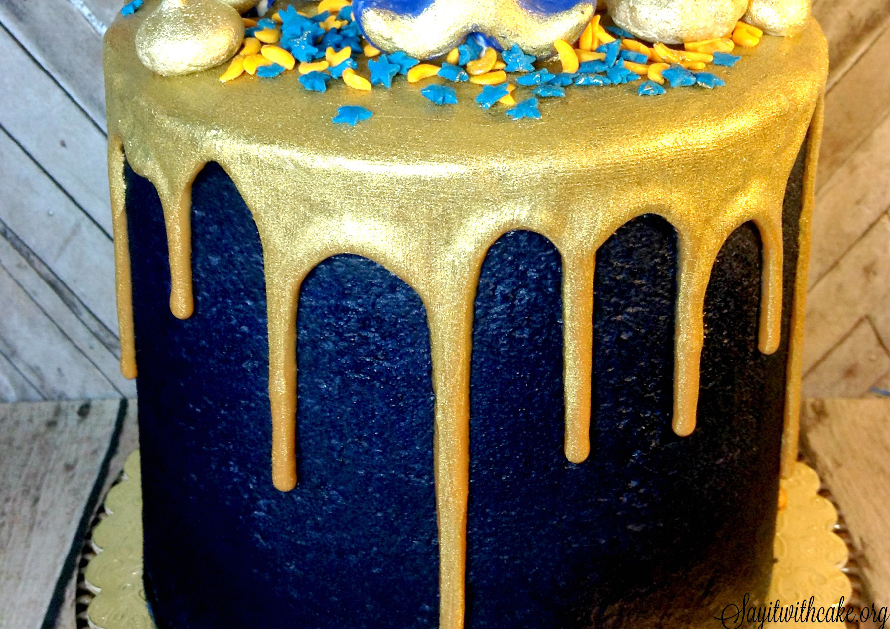 Blue and Gold Boy Scout Cake with Gold Ganache | Say it With Cake